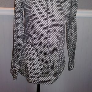 Gap. The tailored shirt career wear. Size small